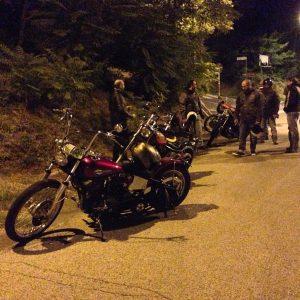 giro in moto notturno