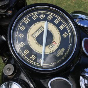 restauro knuckle hd 1946 chopperlab speedo 01